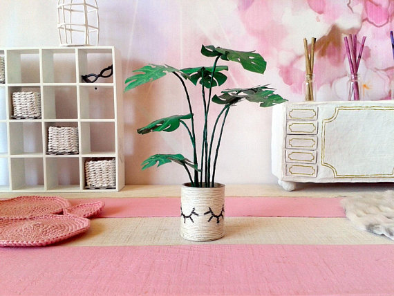 Plantspiration - for plant lovers: Featuring this Dollhouse mini Monstera plant by Wickerhandmade on #VibeAlchemist www.vibealchemist.com #monstera