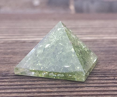August Birthstone: Peridot. This Peridot Gemstone Pyramid from A&S Crystals makes a great gift for the Leo in your life! #peridot #AugustBirthstone #vibealchemist #leo